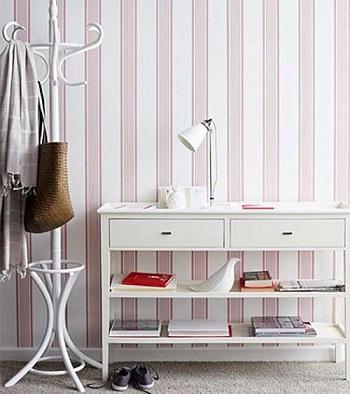 Papel pintado a rayas descubre su versatilidad tul de seda - Papel pintado para recibidores ...