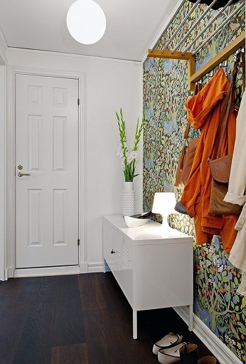 Decorar con papel pintado un recibidor tul de seda for Papel para decorar muebles